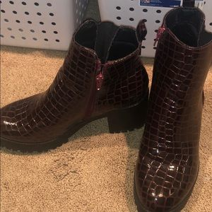 Misguided snake skin red/purple boots